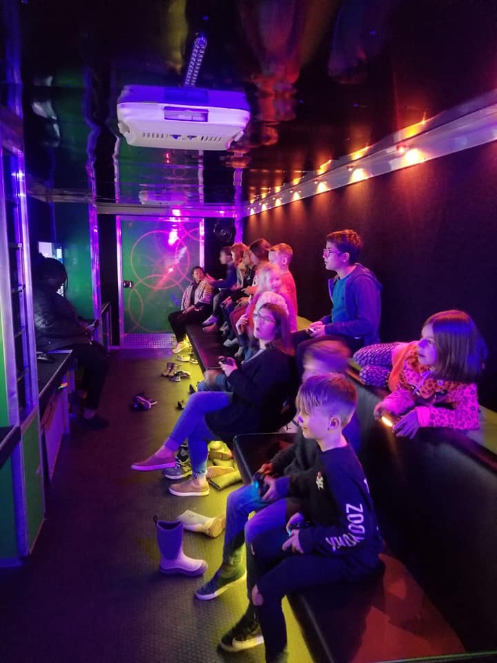 virtual-reality-video-game-truck-party-in-calgary-alberta-canada-13