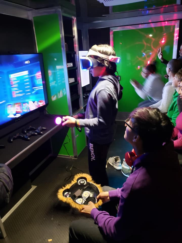 virtual-reality-video-game-truck-party-in-calgary-alberta-canada-7